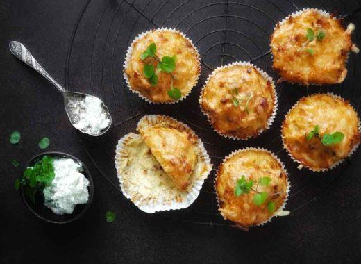 kartoffel-speck-muffins mit brunnencresse-creme